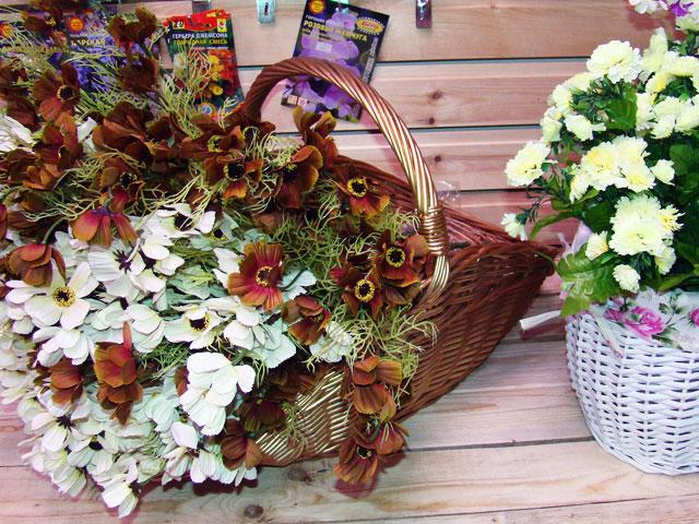 Магазин подарков и цветов около калины — 8